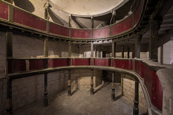 Viaggio fra location film di Garrone: c'è anche il teatro Nojano