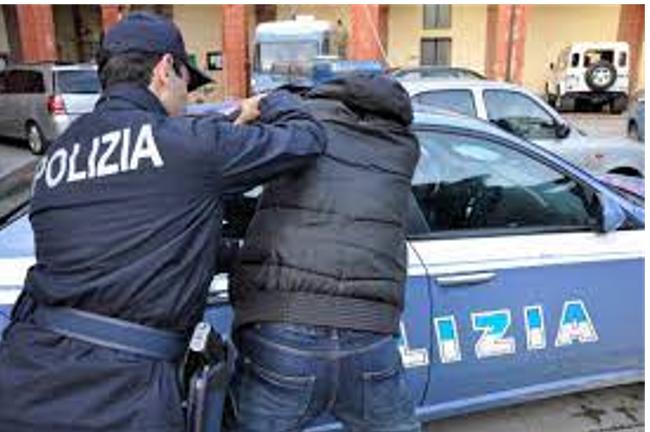 Criminalità: giovane ucciso a Bari, Polizia arresta 9 persone
